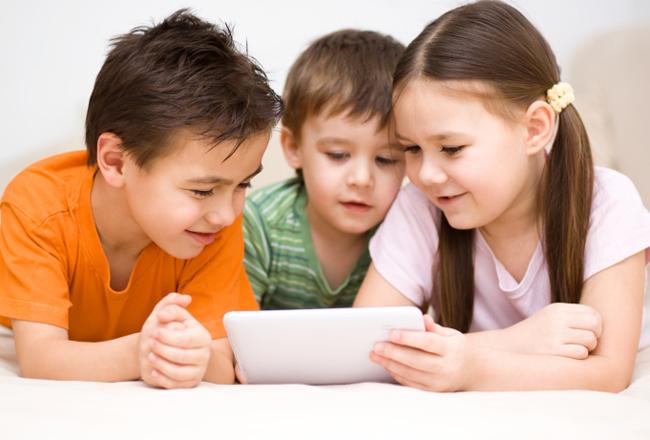 criancas-tablet
