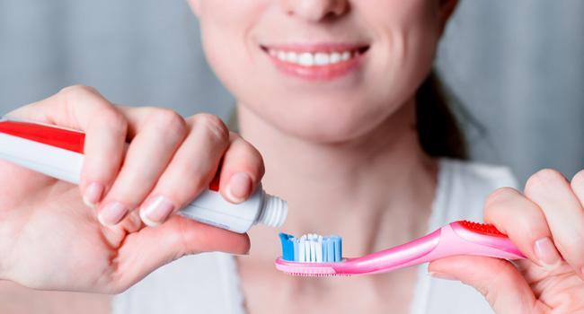dentes-escova-pasta