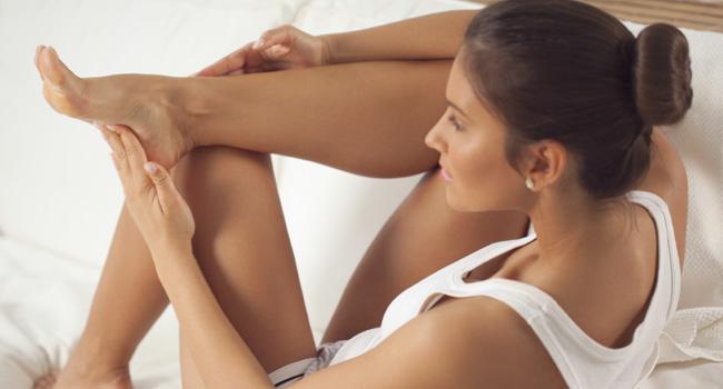 pes-pernas-mulher