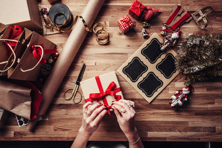 6 dicas para economizar com presentes de Natal sem fazer feio