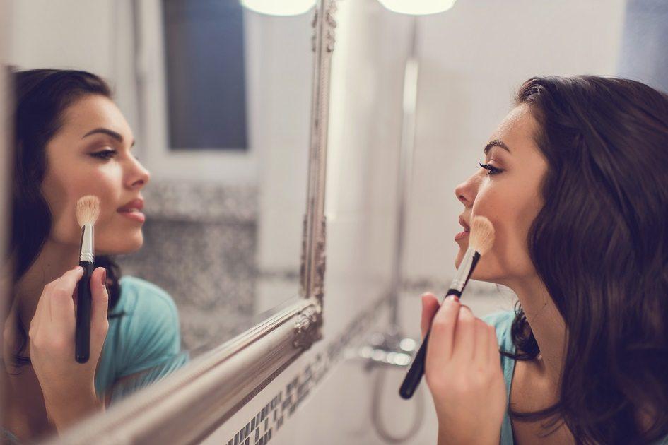 Parece mágica: truques de beleza ajudam a disfarçar pequenos defeitos