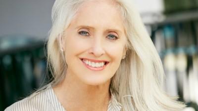 Pele na menopausa: veja dicas de especialista e saiba quais cuidados tomar nesse período